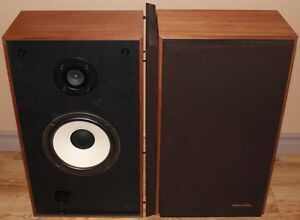 Realistic MC-2001 Stereo Speakers
