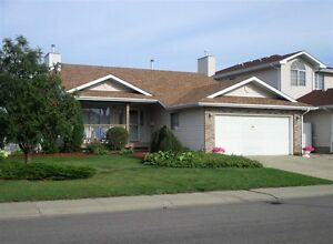 Beautiful BUNGALOW 16147-59 St. Move in ready!