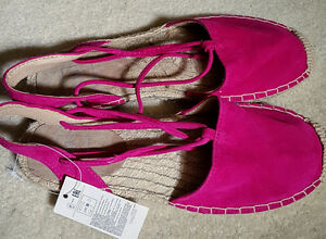Women Shoes Sandals strap Gap 6 New with tag Pink