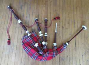 Set of Scottish Bagpipes – For Beginners