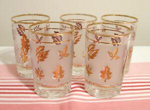 Ensemble de 5 verres à jus vintage motif doré