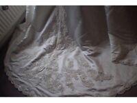 STUNNING WEDDING DRESS SIZE 16