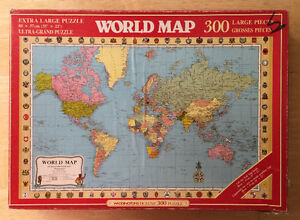 WORLD MAP PUZZLE - Waddingtons -1984 - Vintage