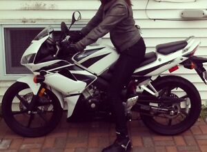 2008 Honda CBR 125 MAKE AN OFFER