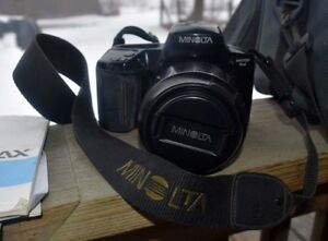 Minolta 5xi 35mm SLR Camera & Accessories