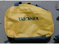 Flight barrel bag Tatonka