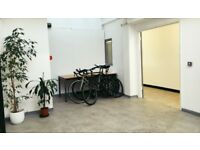 Large desk in bright lovely studio next to Broadway Market £240 (Shared office / co-working)