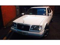 W124 Mercedes 300d 24v low owner car 300e automatic