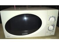 Samsung 800W Microwave Oven M1711N T.D.S