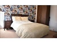 Full bedroom furniture set
