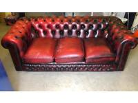 Chesterfield sofa. Three seaters - Oxblood colour