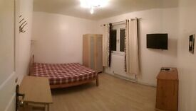 Double Rooms Available now in Southfields (10 min by bus from Putney) Nice Location