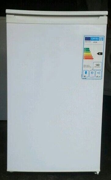 Immaculate condition refrigerator can deliver