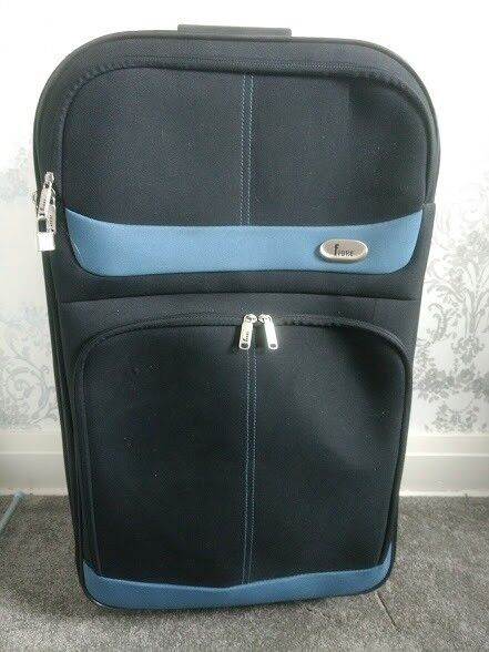 Fiore Suitcase medium size with trolley handle and wheels