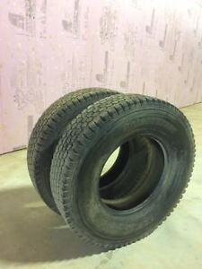 Pneus Blizzak Bridgestone LT215/85R16