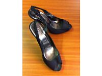 LADIES BLACK 'NEW LOOK' SLING BACK EVENING SHOES / SANDALS WITH SILVER HEEL - SIZE 5, EURO 38