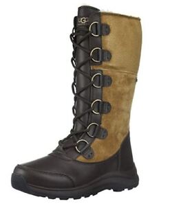 UGG Women's Snow Boot      Size 9M (US)