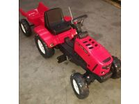 Kids Ride On Red Tractor Complete With Trailer