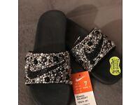 Nike Banassi Slider slides Swarovski - WOMENS FLIP FLOPS