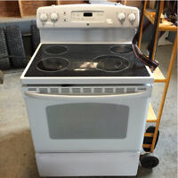 GE Self Cleaning Electric Oven. Great Condition!