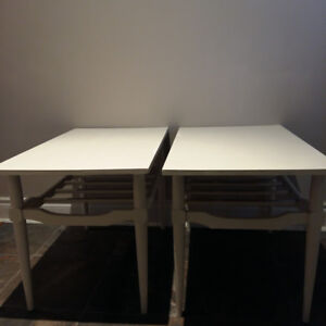 PAIR OF WOOD END / SIDE TABLES