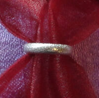 Vintage Pre-Owned Hallmarked 925 STERLING SILVER  Band Sz 5