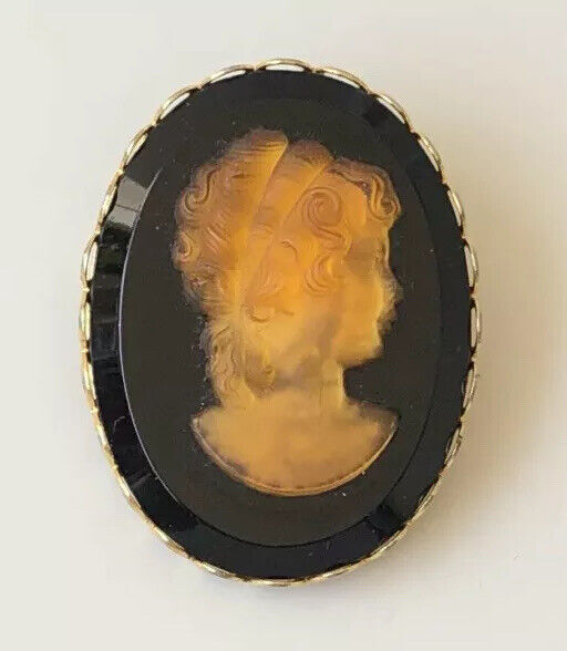 Unique glass  Lady  cameo  Brooch pin