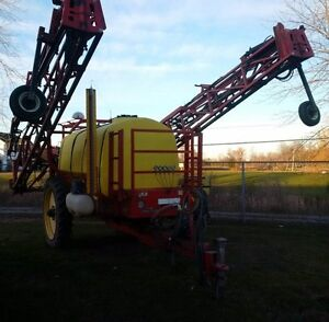 Gregson Sprayer with Raven 450 Controller