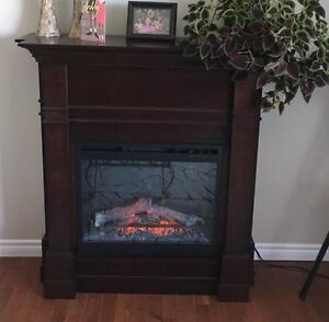 beautiful min condition electric fireplace