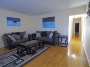 Great Location Very Nice & Bright 3 Bdrm Apt in Pickering-SUPERB