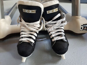 Boys skates size 10 youth