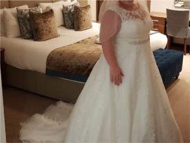 Stunning Ronald Joyce bridal gown