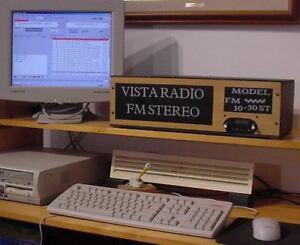 EMETTEUR FM  STATION RADIO - MIXER - MICRO - LECTEUR MP3 -975$