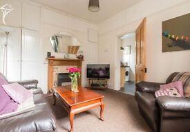 Three Bedroom Flat, Upper Edmonton (Fore Street), £1600pcm