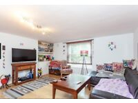 Charming, bright & large ground floor garden flat in NW1. Close to shops & transport.