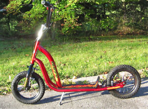 HUFFY IGNITE SCOOTER VERY GOOD CONDITION BRAKES AND STAND