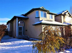 Back on Golf Course Single House for Sale by Owner-Edmonton Wset
