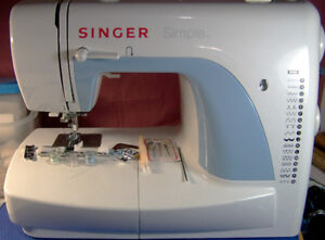 SINGER SIMPLE 3116 SEWING MACHINE 18 STITCH WITH BUTTONHOLE
