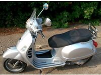 Vespa GTS 125 2008 in Silver with Years Mot on collection. It has covered only 5800 miles