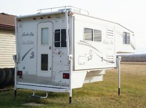 Arctic Fox Buy Or Sell Used Or New Rvs Campers