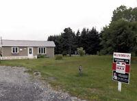 Maison Gaspé Grand terrain privé au bord de l'eau