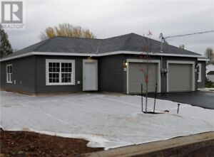 New 1 level garden home, pick your own finishes!!