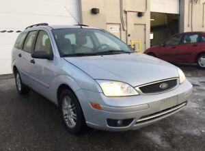 2005 Ford Focus SES/6 Months powertrain warranty included.