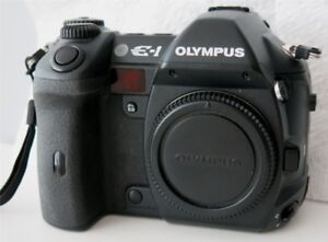 Olympus E1 + 14 54 2.8 mint.  ( 6.500 actuations  )