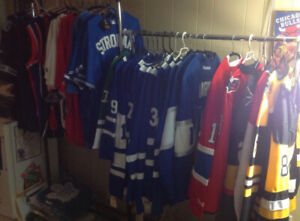 Brand New Sports Jerseys / Rings / Flags / Hats for Trade