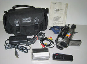 Sony Video Hi8 CCD-TRV46 Video Camera Recorder/Transfer