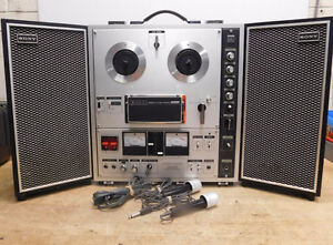 SONY TC-630  3 Head solid State Reel to Reel with speakers
