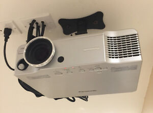Projector TV/Screen/Surround Sound System/DVD Player