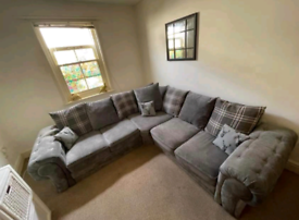 New - 5 Seater Verona Corner Sofa With Scatter Back Cushions