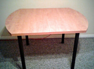 Dining table with leaf and 4 chairs Stratford Kitchener Area image 2